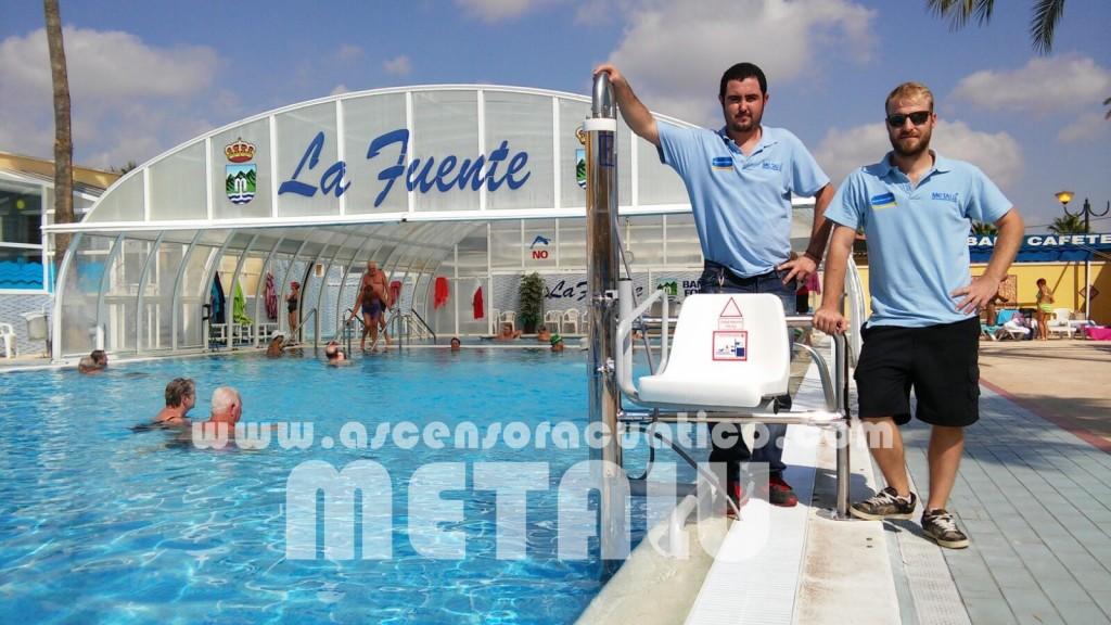 Zona levante ascensor acuatico for Piscinas municipales elche