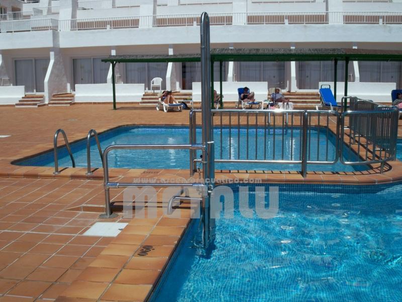 Elevador hidraulico Metalu B-2. Hotel Riu La Mola