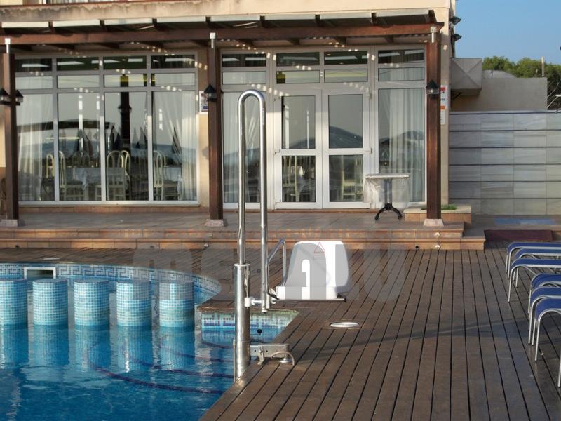 Hotel El Cid. Elevador de piscinas Metalu Pk