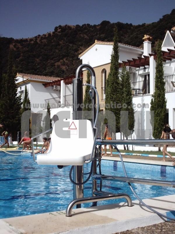Andalucia piscinas municipales gu a de ascensores for Polideportivo ciudad jardin malaga