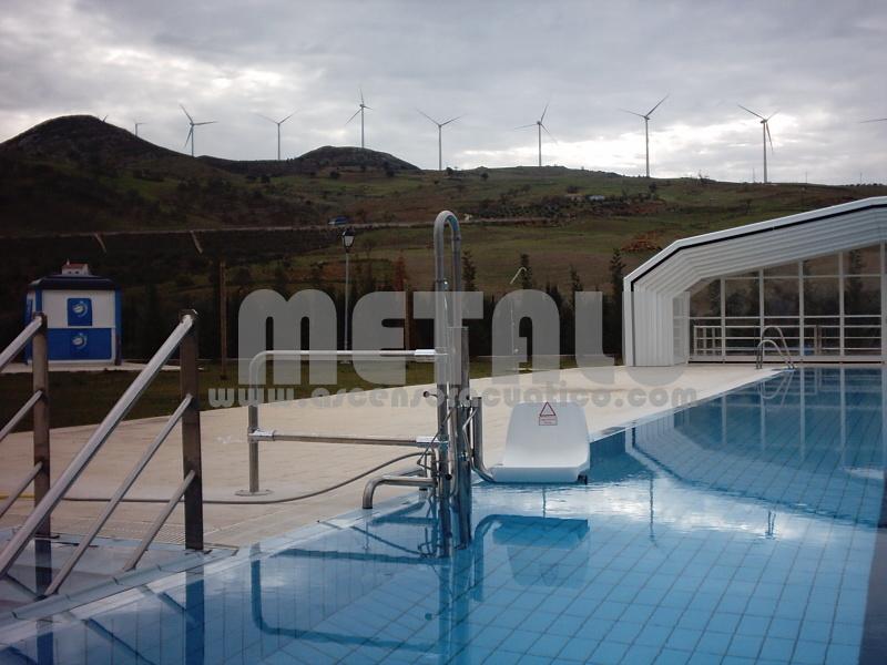 Elevador hidralulico Metalu B-2, piscina municipal de Ardales